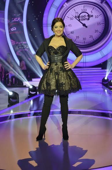 svecane haljine koje nosi nasa popularna TV voditeljka Dragana Katic izgedaju savrseno