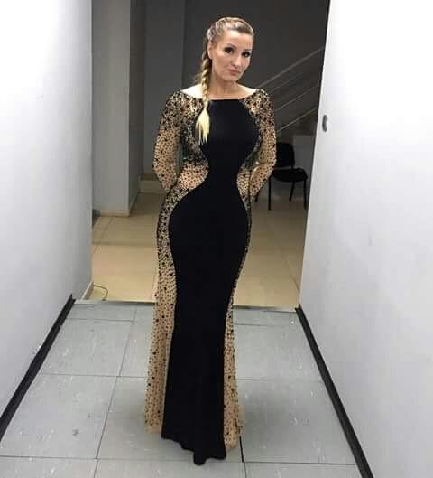 Mira Skoric je postala deo Carolije u svecanoj haljini Sherri Hill 32096